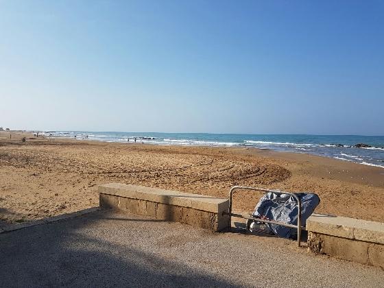 http://www.ragusanews.com//immagini_articoli/13-08-2016/terminati-i-lavori-di-messa-in-sicurezza-della-spiaggia-di-micenci-420.jpg