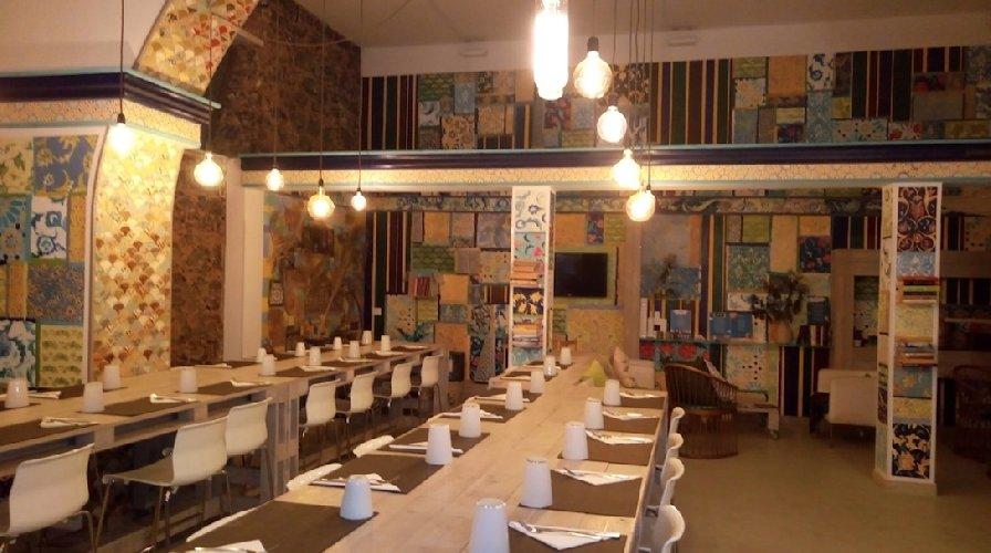 https://www.ragusanews.com//immagini_articoli/13-08-2018/orient-experience-primo-ristorante-gestito-migranti-500.jpg