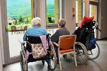 https://www.ragusanews.com//immagini_articoli/13-08-2020/8-nuovi-casi-nel-ragusano-c-e-anziano-in-casa-di-riposo-240.jpg