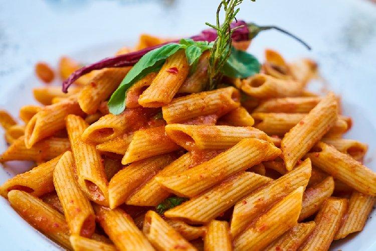 https://www.ragusanews.com//immagini_articoli/13-09-2019/pasta-dieta-mangiarla-senza-ingrassare-500.jpg