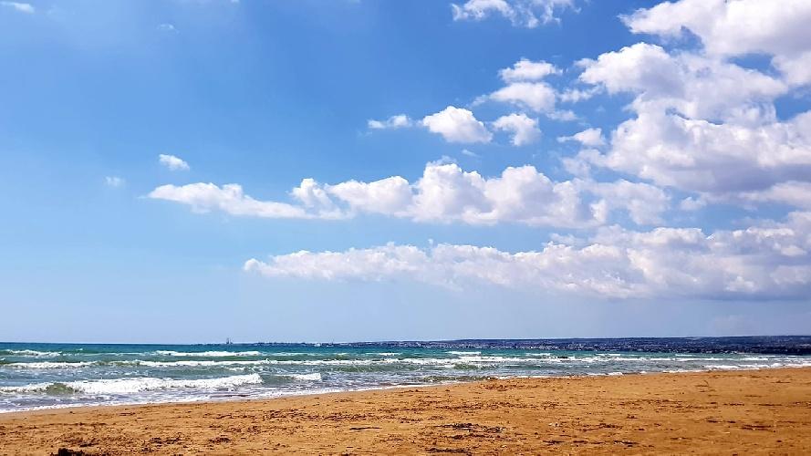 https://www.ragusanews.com//immagini_articoli/13-09-2021/meteo-tornano-sole-e-caldo-temperature-oltre-30-500.jpg
