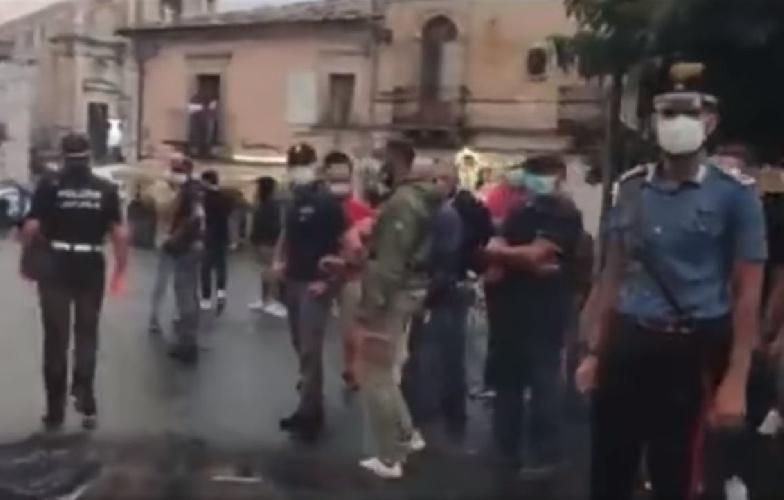 https://www.ragusanews.com//immagini_articoli/13-09-2021/monterosso-almo-insulti-contro-l-animalista-enrico-rizzi-video-500.jpg