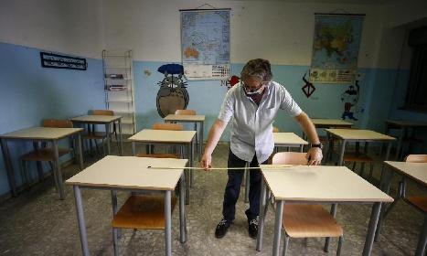 https://www.ragusanews.com//immagini_articoli/13-09-2021/scuola-si-parte-le-nuove-regole-dall-asilo-alle-superiori-pdf-280.jpg