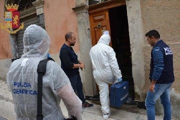 https://www.ragusanews.com//immagini_articoli/13-10-2018/1539418934-maria-zarba-stata-uccisa-marito-foto-1-240.jpg
