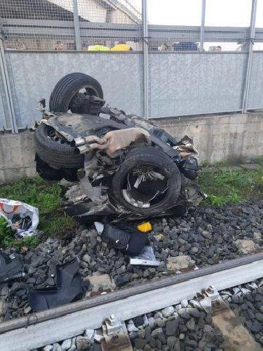 https://www.ragusanews.com//immagini_articoli/13-10-2019/1570954982-incidente-muoiono-quattro-giovani-in-sicilia-1-500.jpg