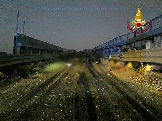 https://www.ragusanews.com//immagini_articoli/13-10-2019/1570968896-incidente-muoiono-quattro-giovani-in-sicilia-1-240.jpg