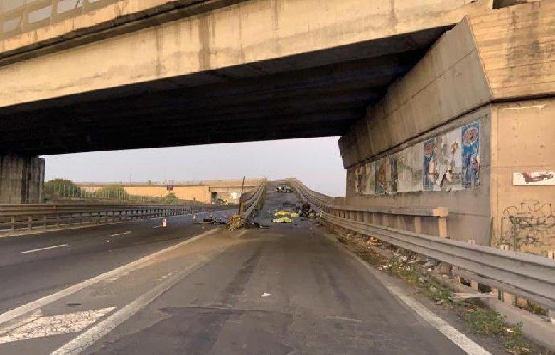 https://www.ragusanews.com//immagini_articoli/13-10-2019/incidente-muoiono-quattro-giovani-in-sicilia-500.jpg