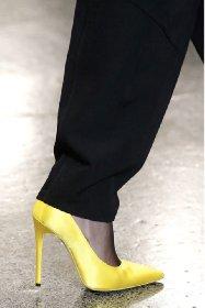 https://www.ragusanews.com//immagini_articoli/13-10-2020/1602614567-le-scarpe-autunno-inverno-2020-21-piu-belle-da-indossare-1-280.jpg