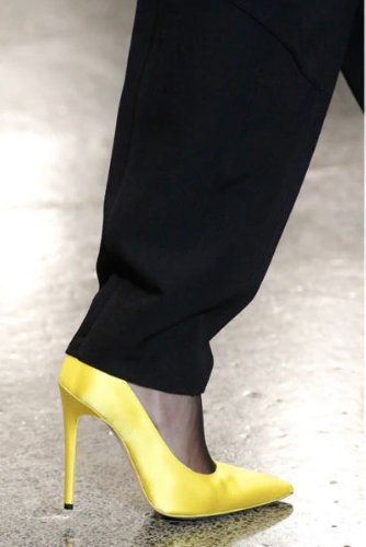 https://www.ragusanews.com//immagini_articoli/13-10-2020/1602614567-le-scarpe-autunno-inverno-2020-21-piu-belle-da-indossare-1-500.jpg