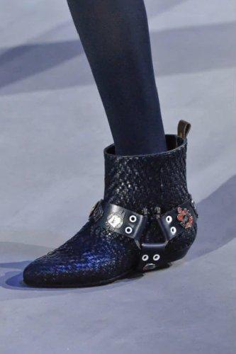 https://www.ragusanews.com//immagini_articoli/13-10-2020/1602614811-le-scarpe-autunno-inverno-2020-21-piu-belle-da-indossare-1-500.jpg