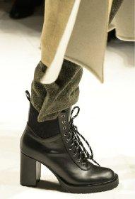 https://www.ragusanews.com//immagini_articoli/13-10-2020/1602614812-le-scarpe-autunno-inverno-2020-21-piu-belle-da-indossare-4-280.jpg
