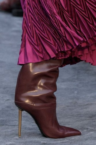https://www.ragusanews.com//immagini_articoli/13-10-2020/1602615035-le-scarpe-autunno-inverno-2020-21-piu-belle-da-indossare-1-500.jpg