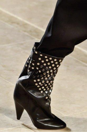 https://www.ragusanews.com//immagini_articoli/13-10-2020/1602615035-le-scarpe-autunno-inverno-2020-21-piu-belle-da-indossare-2-500.jpg