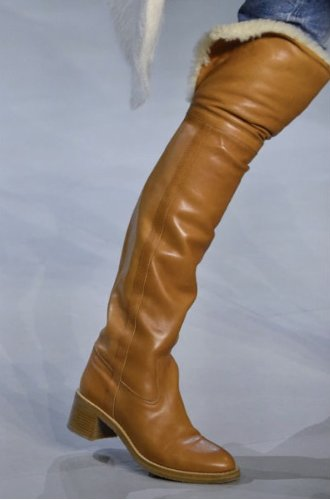 https://www.ragusanews.com//immagini_articoli/13-10-2020/1602615035-le-scarpe-autunno-inverno-2020-21-piu-belle-da-indossare-3-500.jpg