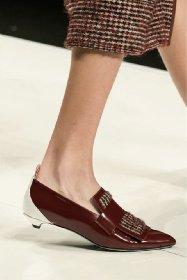 https://www.ragusanews.com//immagini_articoli/13-10-2020/1602615300-le-scarpe-autunno-inverno-2020-21-piu-belle-da-indossare-4-280.jpg