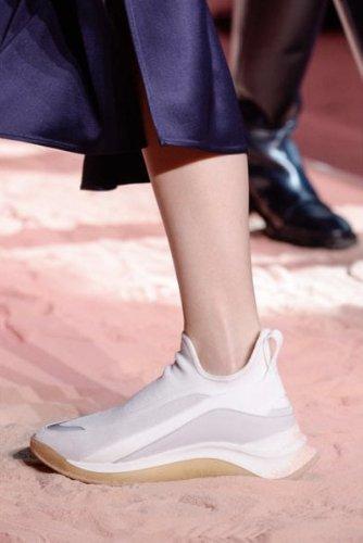 https://www.ragusanews.com//immagini_articoli/13-10-2020/1602615839-le-scarpe-autunno-inverno-2020-21-piu-belle-da-indossare-2-500.jpg