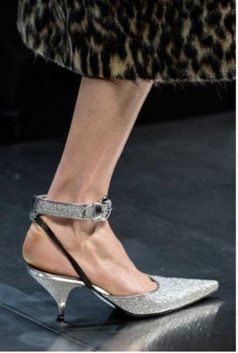 https://www.ragusanews.com//immagini_articoli/13-10-2020/le-scarpe-autunno-inverno-2020-21-piu-belle-da-indossare-500.jpg