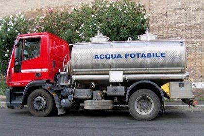 https://www.ragusanews.com//immagini_articoli/13-10-2020/noi-residenti-nelle-campagne-di-marina-di-ragusa-senza-acqua-280.jpg