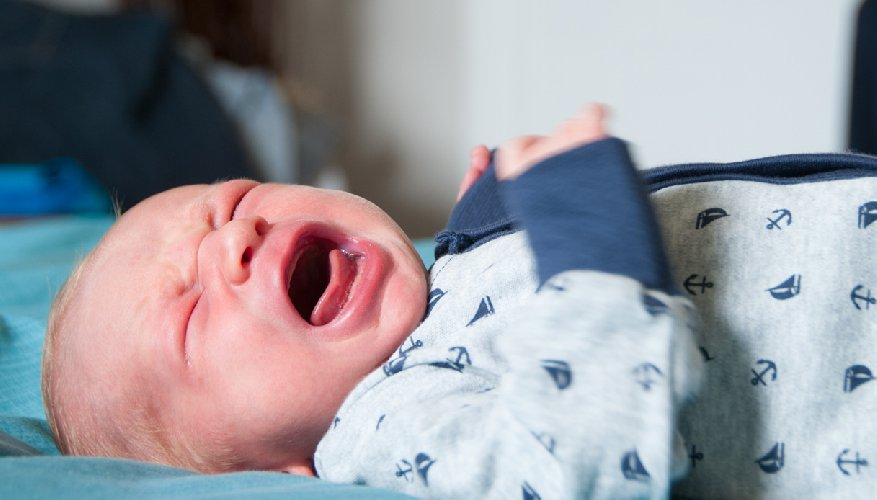 https://www.ragusanews.com//immagini_articoli/13-10-2020/padre-tenta-di-soffocare-figlio-di-6-mesi-che-piange-arrestato-500.jpg