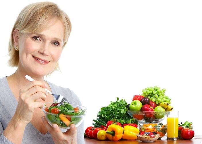 https://www.ragusanews.com//immagini_articoli/13-10-2021/dieta-in-menopausa-cosa-mangiare-per-perdere-peso-500.jpg