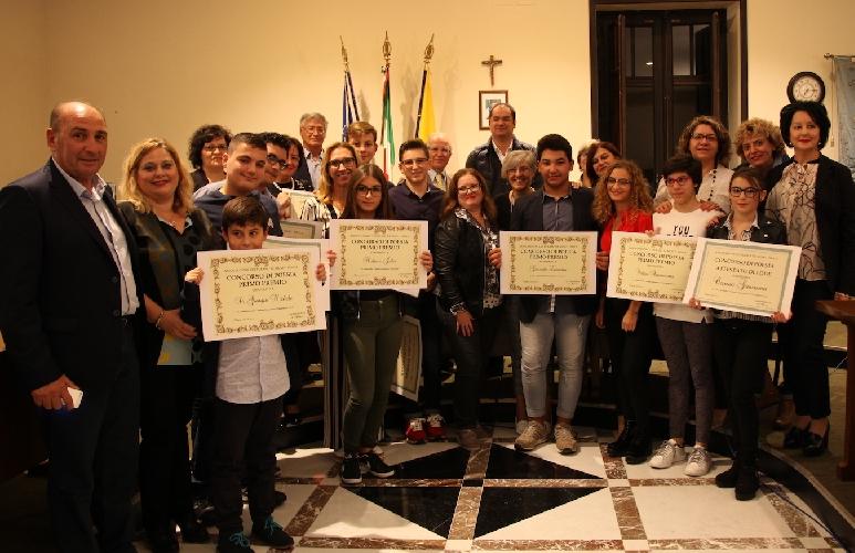 http://www.ragusanews.com//immagini_articoli/13-11-2017/concorso-poesie-ispica-500.jpg