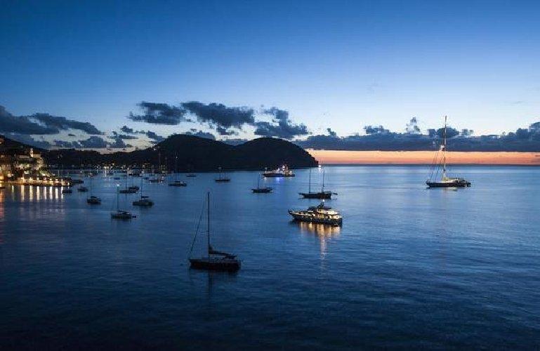 https://www.ragusanews.com//immagini_articoli/13-11-2018/manda-onda-alcuni-documentari-sicilia-isole-500.jpg