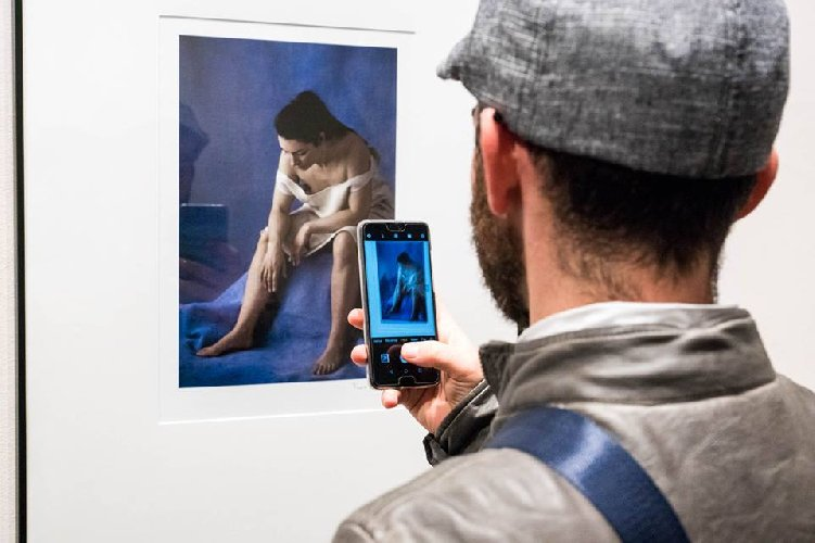 https://www.ragusanews.com//immagini_articoli/13-11-2018/mostra-fotografica-modica-sono-scianna-leone-500.jpg