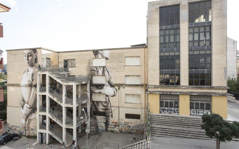 https://www.ragusanews.com//immagini_articoli/13-11-2018/piove-dentro-liceo-classico-ragusa-500.jpg