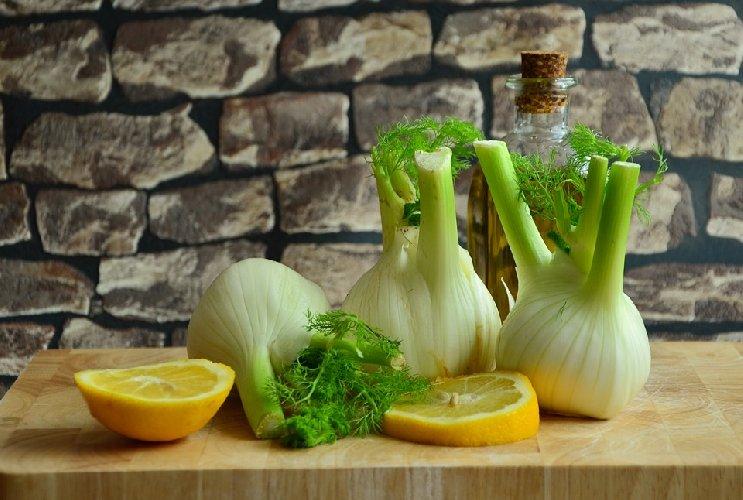 https://www.ragusanews.com//immagini_articoli/13-11-2019/la-dieta-finocchio-per-sgonfiare-la-pancia-500.jpg