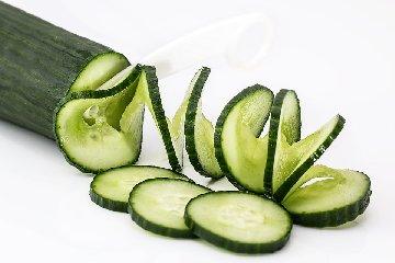 https://www.ragusanews.com//immagini_articoli/13-11-2019/nutrizione-perdere-peso-con-la-dieta-cetriolo-240.jpg