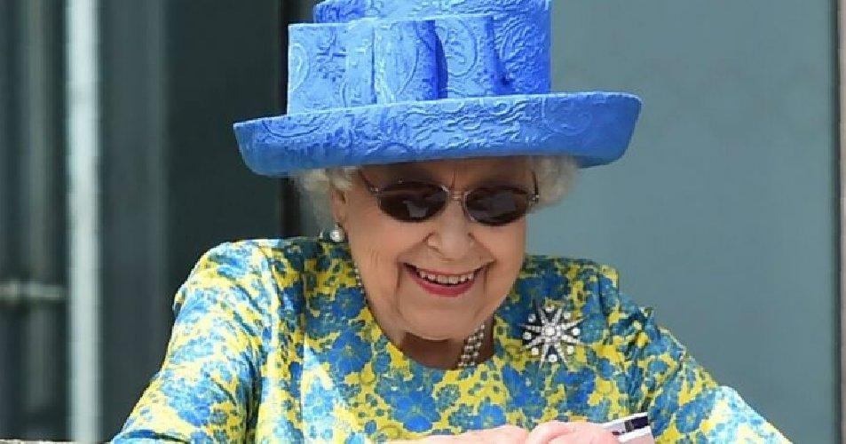 https://www.ragusanews.com//immagini_articoli/13-11-2020/la-regina-elisabetta-non-si-ritira-e-pensa-gia-ai-festeggiamenti-del-2022-500.jpg
