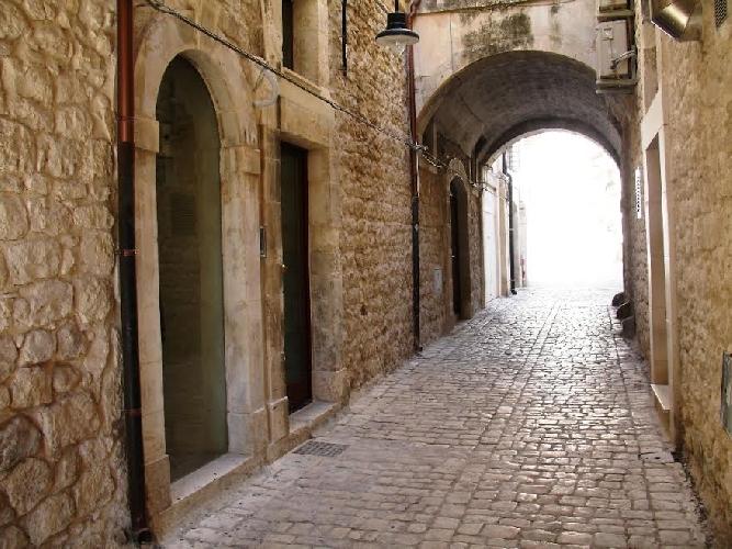 https://www.ragusanews.com//immagini_articoli/13-12-2014/vacanze-unesco-presenta-il-palazzetto-arco-castro-500.jpg