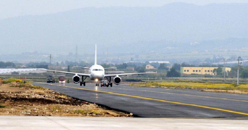 https://www.ragusanews.com//immagini_articoli/13-12-2018/aeroporto-comiso-eurowings-punta-trattavia-negoziata-500.jpg