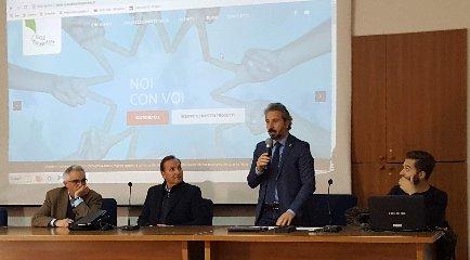 https://www.ragusanews.com//immagini_articoli/13-12-2018/convegno-lions-ciberbullismo-modica-240.jpg