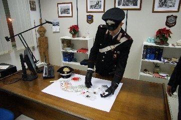 https://www.ragusanews.com//immagini_articoli/13-12-2018/droga-arresti-modica-ispica-240.jpg