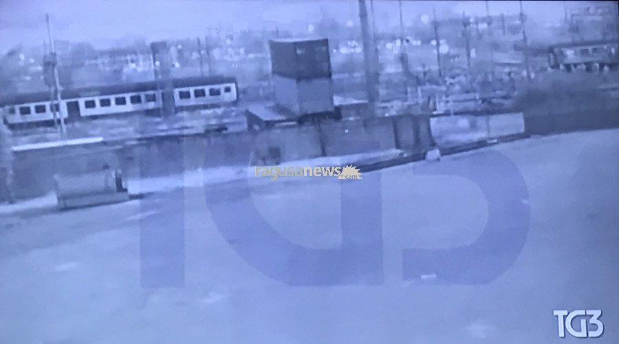 https://www.ragusanews.com//immagini_articoli/13-12-2018/strage-ferroviaria-pioltello-svela-video-inedito-500.jpg