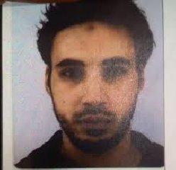 https://www.ragusanews.com//immagini_articoli/13-12-2018/ucciso-terrorista-strasburgo-240.jpg