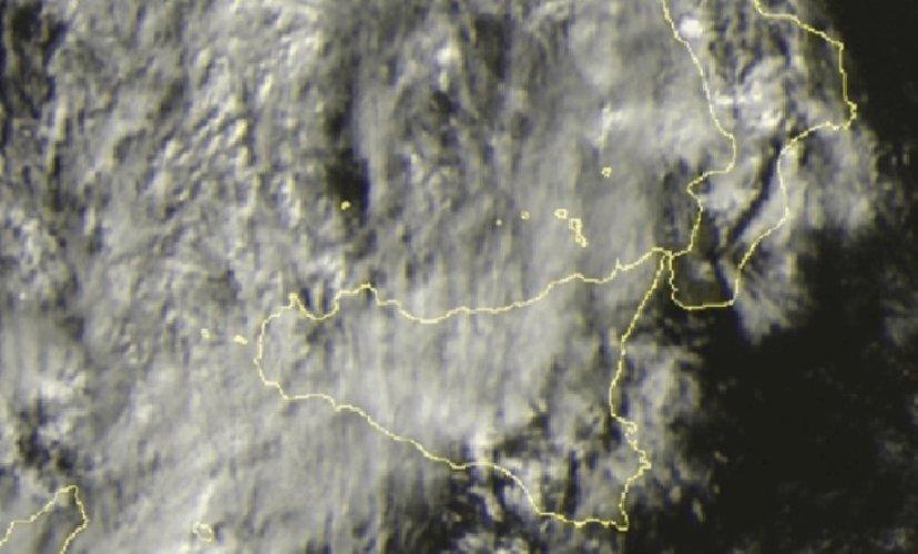https://www.ragusanews.com//immagini_articoli/13-12-2019/ecco-la-tempesta-di-santa-lucia-che-stasera-si-abbattera-sicilia-500.jpg