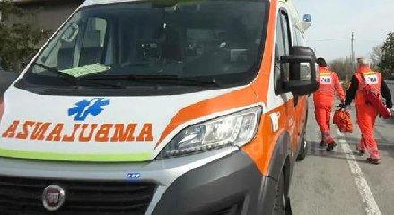 https://www.ragusanews.com//immagini_articoli/13-12-2019/incidente-siracusarosolini-ferita-una-donna-240.jpg