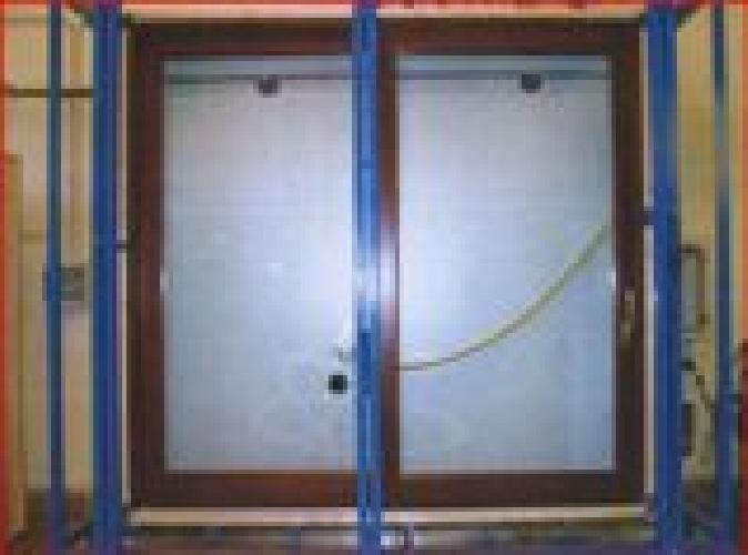 https://www.ragusanews.com//immagini_articoli/14-01-2009/un-alzante-scorrevole-impermeabile-by-di-natale-infissi-500.jpg