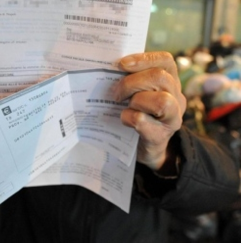 https://www.ragusanews.com//immagini_articoli/14-01-2014/bollette-tares-pd-sospendere-i-termini-di-scadenza-500.jpg