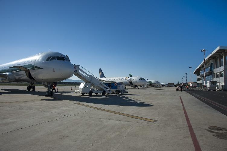 https://www.ragusanews.com//immagini_articoli/14-01-2014/guasto-a-un-aereo-ritardo-di-due-ore-per-il-comiso-charleroi-500.jpg