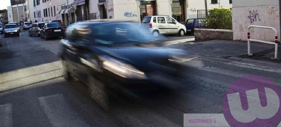 https://www.ragusanews.com//immagini_articoli/14-01-2016/provoca-un-incidente-a-modica-si-cerca-auto-pirata-500.jpg