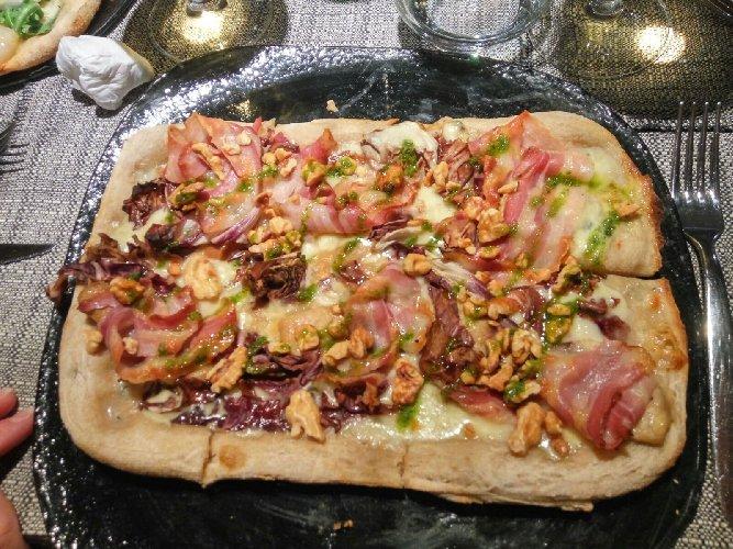 https://www.ragusanews.com//immagini_articoli/14-01-2018/1515928592-modica-allhostaria-musica-vera-pizza-gourmet-1-500.jpg