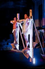 http://www.ragusanews.com//immagini_articoli/14-01-2018/sacro-comico-teatro-modica-240.jpg