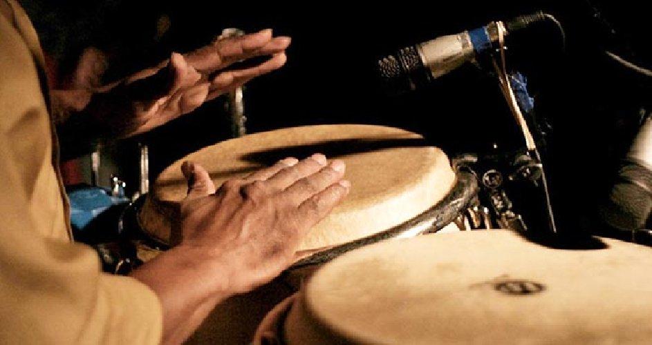 https://www.ragusanews.com//immagini_articoli/14-02-2013/il-lato-b-delle-percussioni-500.jpg