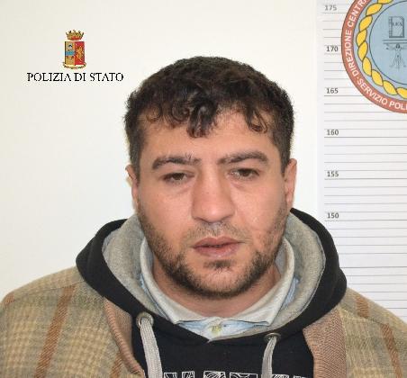 http://www.ragusanews.com//immagini_articoli/14-02-2017/modica-tunisino-arrestato-evasione-420.jpg