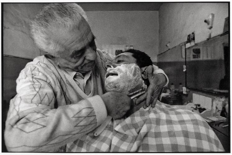 http://www.ragusanews.com//immagini_articoli/14-03-2014/la-mostra-barbieri-di-sicilia-trasloca-da-scicli-a-catania-500.jpg