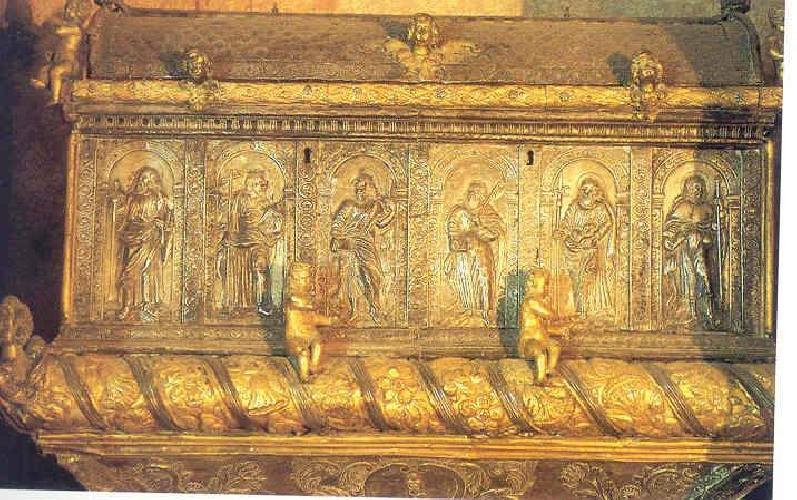 http://www.ragusanews.com//immagini_articoli/14-03-2015/le-urne-reliquiarie-a-scicli-storia-e-religiosita-popolari-500.jpg