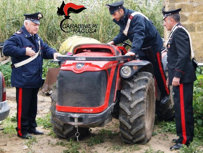 https://www.ragusanews.com//immagini_articoli/14-03-2016/trattore-appena-rubato-denunciato-agricoltore-500.jpg